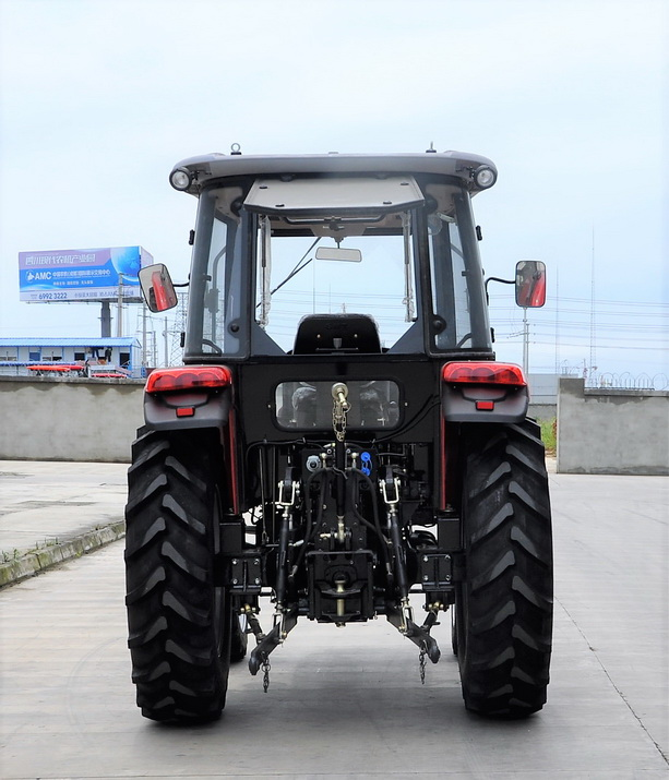 4 Wheel Drive Farm Tractor 70hp