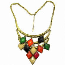 Colorful Rhombic Plastic Beads Pendant Necklace/Bronze Metal Necklace, Various Colors are Available