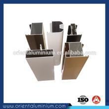 Cadre de porte en aluminium