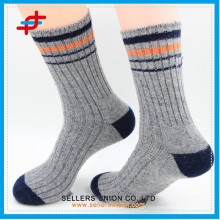 2015 new style warm acrylic knitting casual socks for adults men
