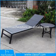 Chaise longue de loisirs en bois-plastique pour l'extérieur