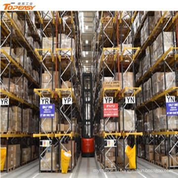 склад для хранения товаров для одежды Ван стеллажи и полки