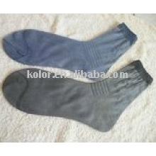 Тонкий носок человека