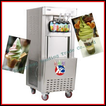 cone macio do gelado que faz a máquina