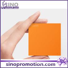 Accessoires de téléphone Dernière banque de puissance de batterie personnalisée carré mince