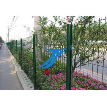 Sicherheits-dreieckiger 3D-verbiegender Zaun