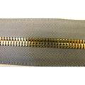 Fermeture à glissière en métal pour les vêtements 7038
