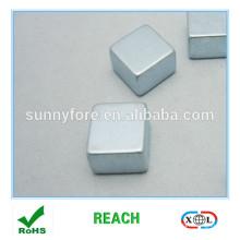 aimant de scruter n35 revêtement de zinc de 12 * 12 * 12 mm