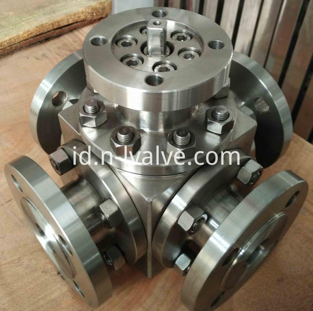 Four Way Hard Seal Ball Valve