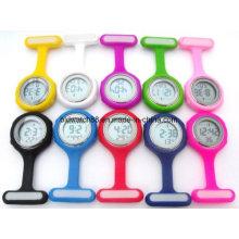 Clipe de enfermeira digital no relógio para médicos