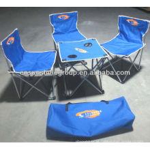 Dobrável, mesa e cadeiras para camping.
