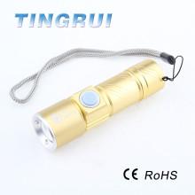 Lanterna led recarregável com zoom de 800 lúmens