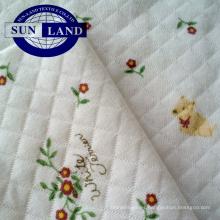 100 Algodón estampado de tejido CVC Jacquard interlock para ropa de dormir o paños para bebés
