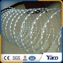 верхний уровень гальванизированный concertina провод бритвы колючая лента для ограждения