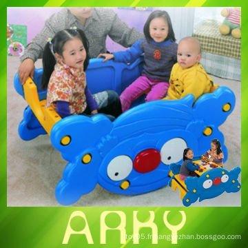 Jouet à bascule en plastique pour enfants à double usage
