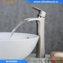 Cuarto de baño del lavabo del agua del lavabo del grifo mercancías sanitarias