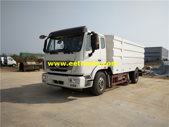 SINOTRUCK 12m3 Road Washing Trucks