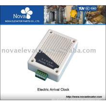 Elevador elétrico chega relógio