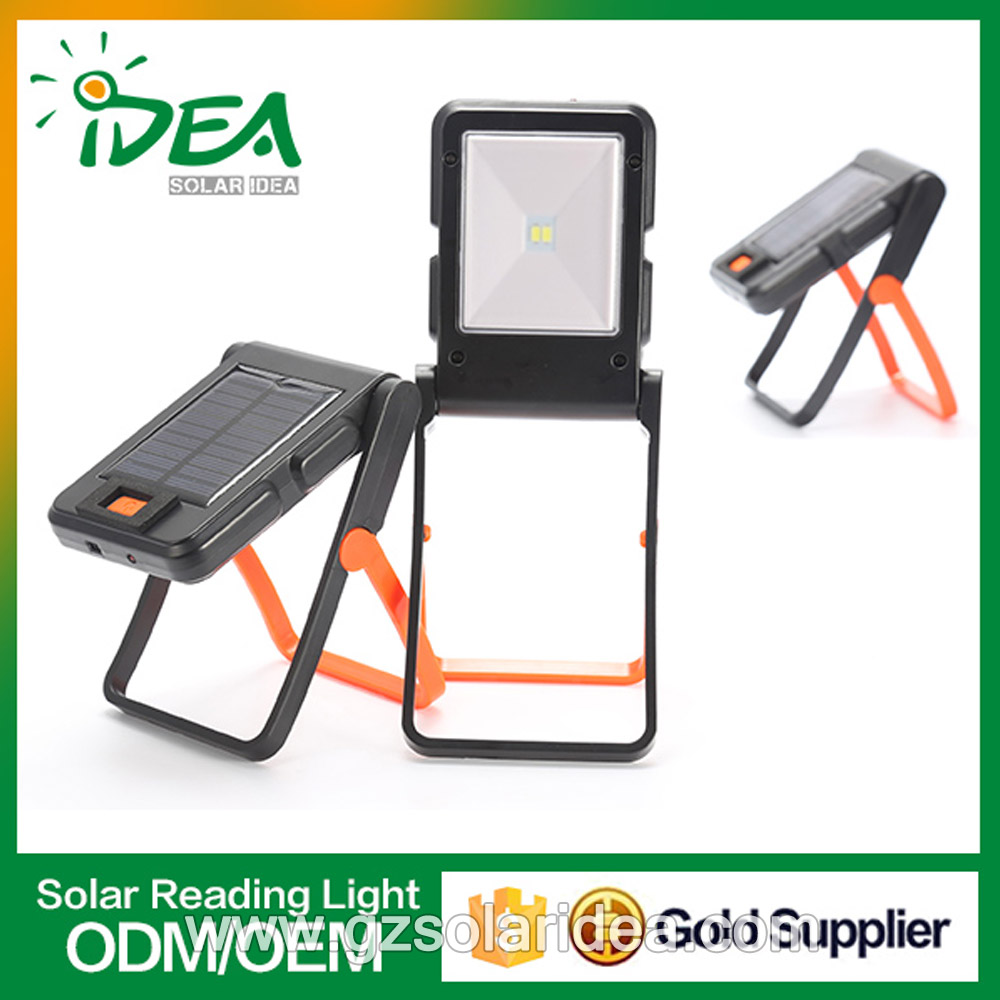 Foldable solar reading light