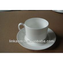 Керамическая кофейная кружка KC-00563 с блюдцем