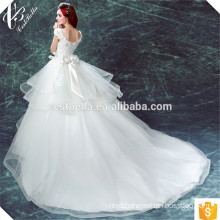 Puffy White lace appliqued ball gown sweetheart white ball gown wedding dress