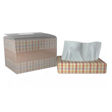 Кухонная бумага в бумажной коробке