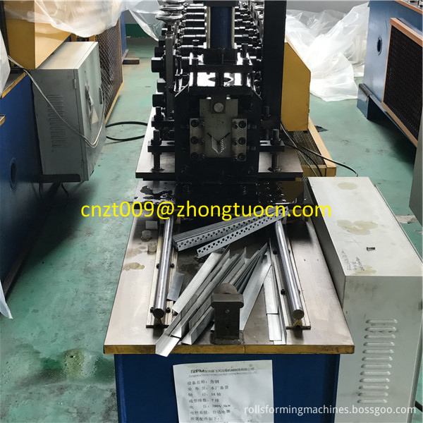 L angle roll forming machine 6