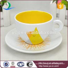 Copo de café cerâmico chinês de alta classe colorido bonito com logotipo do OEM