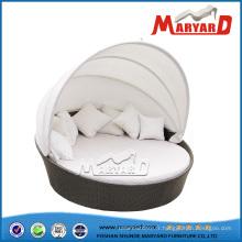 Sofa-lit rond de rotin / en osier avec l'auvent