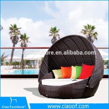 Outdoor Synthetic Wicker Round Sunbeds / Beach Sunbed
