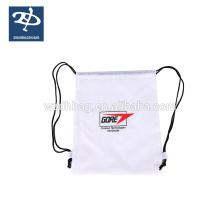 Sac à dos réutilisable de sports adapté aux besoins du client de sac de cordon de logo de logo