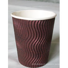 Copo de café quente do papel ondulado da venda com tampa