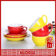 Rote neue Bone Porzellan Kaffeetasse und Untertasse