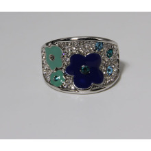 Fashion Jewelry Ring in Good Quality with Flower and Rhinestones