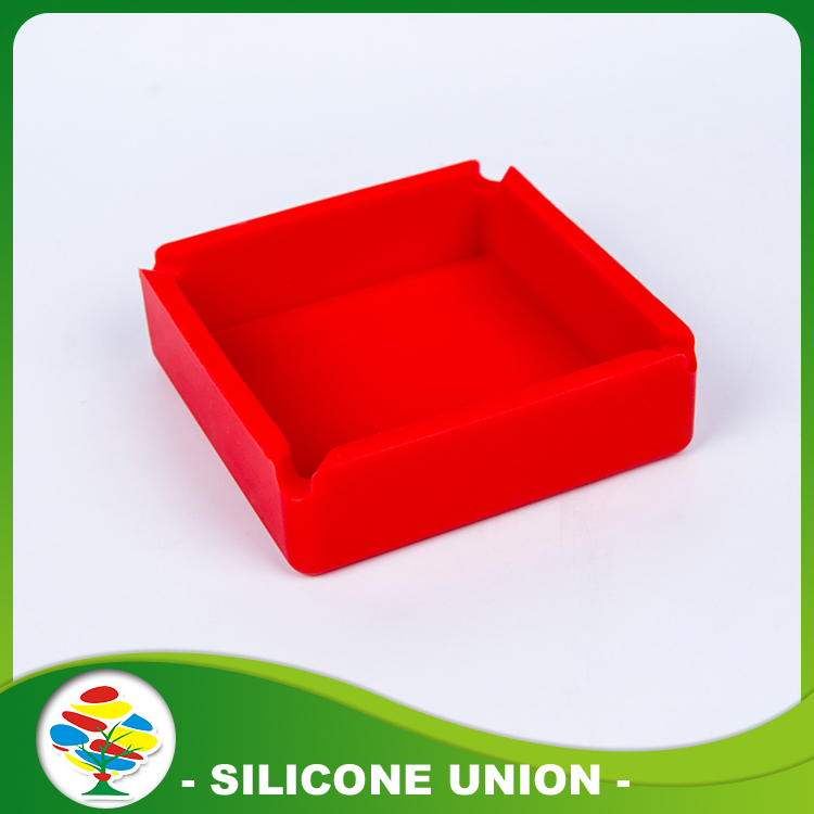 Red travel gift ashtray