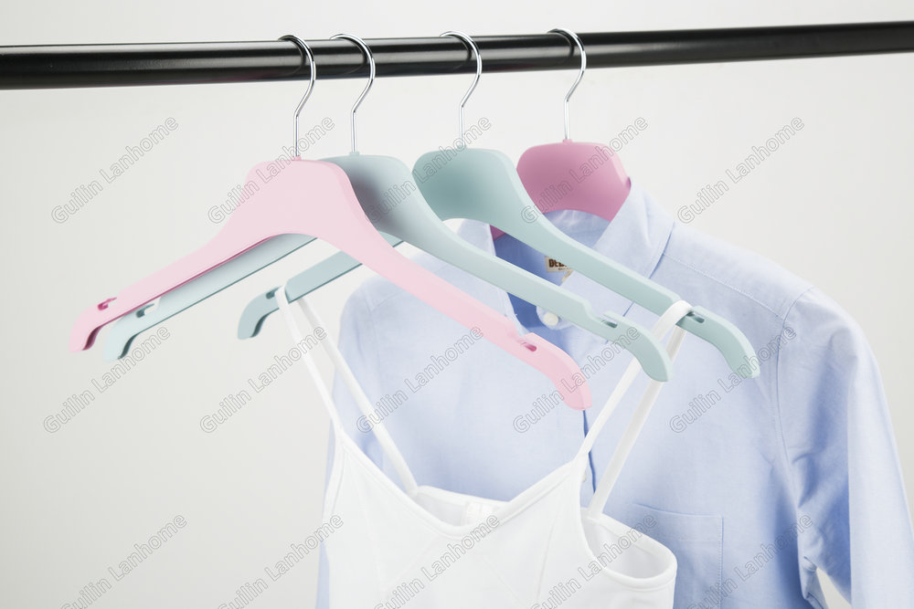 ABS Shirt Hanger