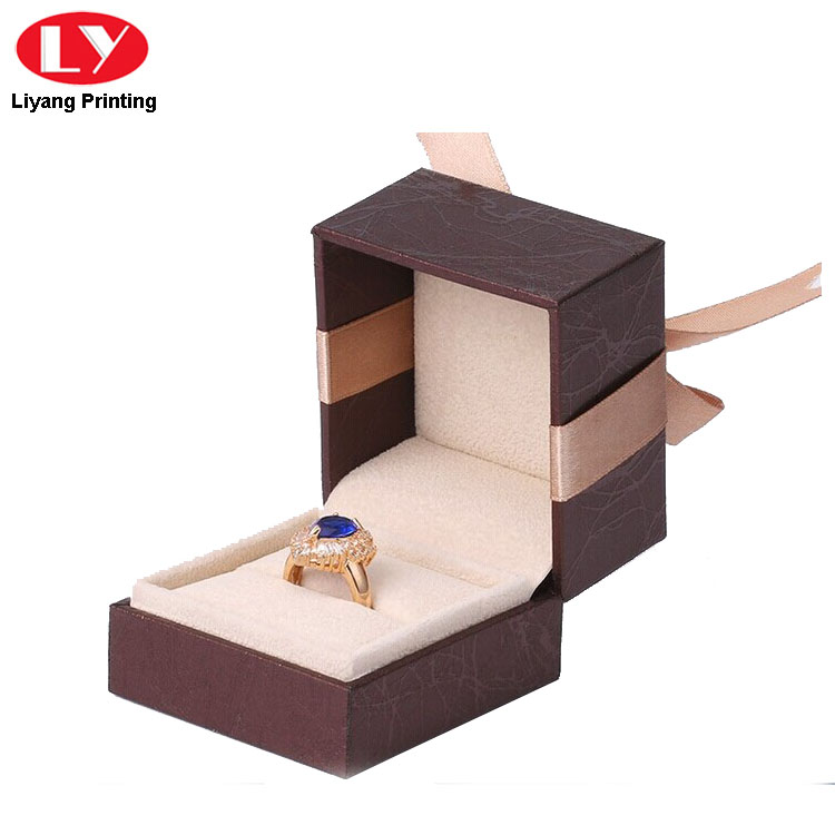 Elastic Close Luxury Jewelry Ring Box