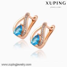 92031 venta caliente moda elegante en forma de corazón circón cúbico rosa chapado en oro pendiente de la joyería huggie