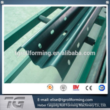 Hot Dip Galvanized Highway Guardrail roll formant machine avec système de contrôle PLC
