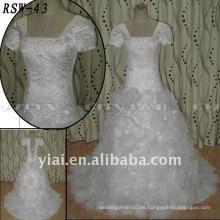 RSW43 Factory Outlet Lastest hermoso cuerpo de bordado hecho a mano de organza flores falda real excelente vestido de boda personalizado