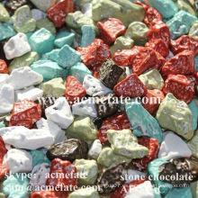 Chocolate de juguete en forma de piedra
