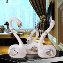 Vente chaude de luxe décoratif de cygne blanc résine d'artisanat décoration de maison résine d'art figurine