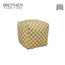Ottomans de pouf en tissu faits à la main avec des couleurs en option
