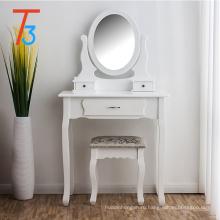Фанерный туалетный столик