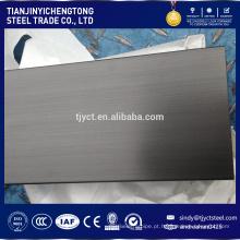 Acabamento em aço inox com barra plana 304