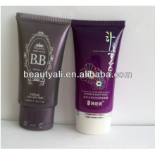 Round cosmetic packaging tube with plastic cap