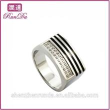 Bague en acier inoxydable en gros et gros diamant en diamant blanc et noir
