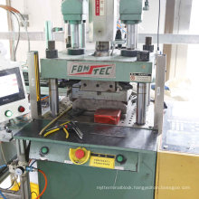Plug Insert Injection Machine with Automatic Moulds Solutions