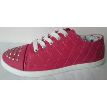 Round Toe Women′s Fashion Canvas Shoes with Rivets