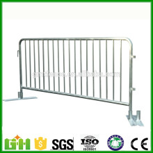 Cheap Price metal crowd control barrier/ safety barrier